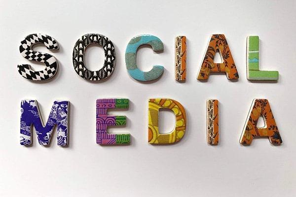 معرفی اپلیکیشن از طریق شبکه های اجتماعی
