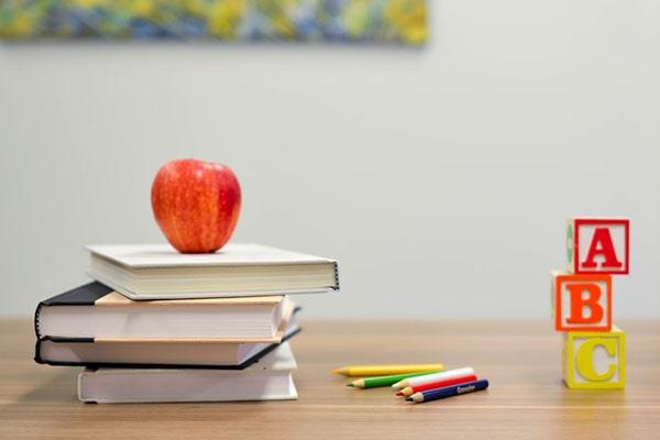 چگونه طراحی اپلیکیشن زبان به یادگیری زبان آموزان کمک میکند؟